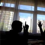 Hamarosan jön a csodafegyver: a tanárhiányra is jó megoldás az iskolaőrség?