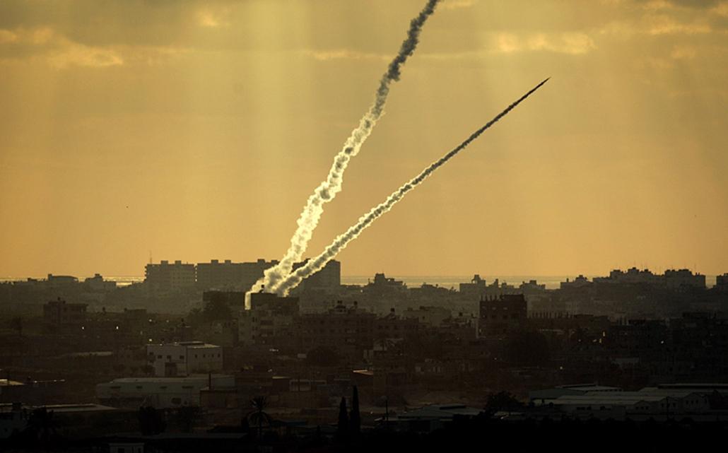 Házilag barkácsolt kasszám-rakétákat lőnek ki egy palesztin menekülttáborból a határ mellett fekvő zsidó telepekre.