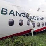 Kicsúszott a kifutóról és összetört egy repülő Mianmarban