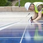 Gondolkodik rajta, hogy napelemet szereltet fel? Csak szólunk, a világ lassan elmegy ön mellett