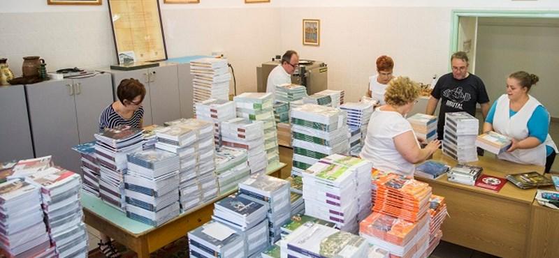 Reagáltak a tankönyvesek: 625 magánkiadós cím került le a tankönyvjegyzékről