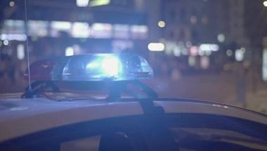 Öten meghaltak egy balesetben, kisbusz és teherautó ütközött
