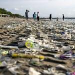 Tengervízben lebomló műanyagot fejlesztettek ki kínai kutatók