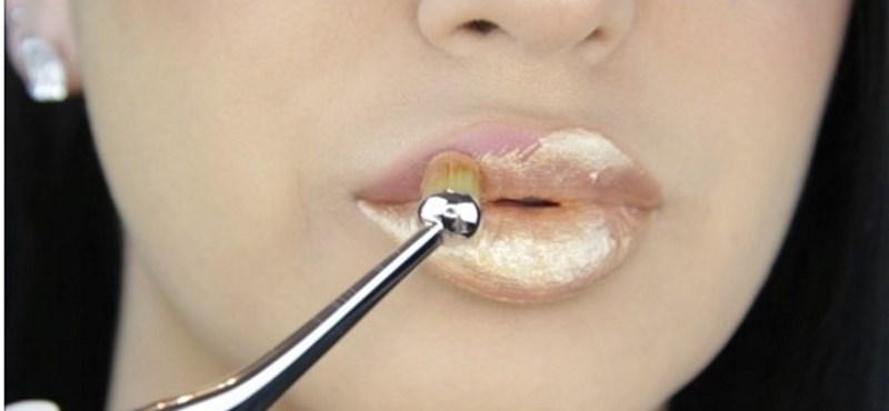 Itt a nyár szépségőrülete: a metálfényű ajkak