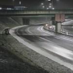 Teljesen üres volt az autópálya, mégis brutális balesetet szenvedett egy sofőr Lengyelországban