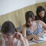 Átmennétek a középfokú nyelvvizsgán? Ezekkel a tesztekkel kipróbálhatjátok