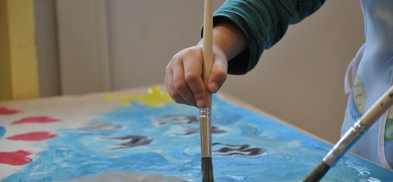 Videóban követelik a szülők a kötelező 6 éves beiskolázás visszavonását