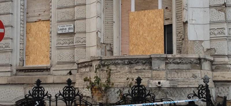 Nem fogják kitalálni, ki újítja fel a Fidesz-székházat 460 millióért