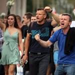 Nézze meg a vasárnap délután Minszkben összegyűlt tömeget - videó