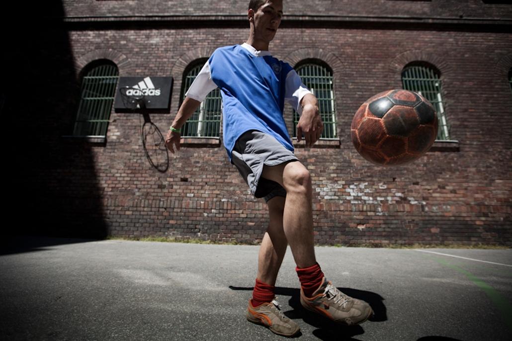 Hajléktalan foci labdarúgás sport Nagyítás