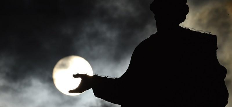 Gyerekpornót terjesztett a szentszéki diplomata, öt év börtönt kapott