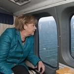 Két férfi is úgy érezte, meg kell védenie Merkelt