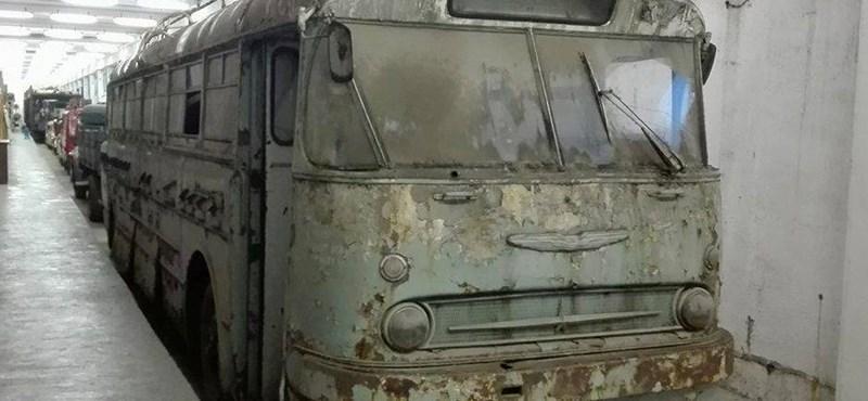 Különleges buszmatuzsálemet szerzett meg a Közlekedési Múzeum – fotó