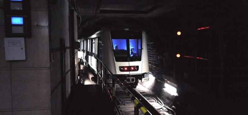 Nem jár egy szakaszon a 2-es metró