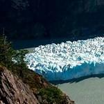 Lenyűgöző fotók készültek a Chilében leszakadt óriási jéghegyről