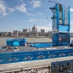 Még három évig csodálhatjuk a vizes vb mementóját a Batthyány téren