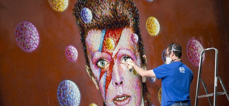 A nagypapa kenyereskosarából bukkant elő David Bowie első demófelvétele