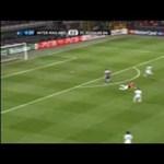 Videó: álomgól a félpályáról az Inter-Schalke 25. másodpercében