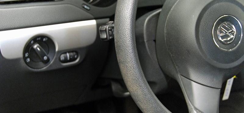 BKV-bérlet helyett olcsó használt autót vesznek most sokan