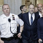 Tagadja bűnösségét a sztárok tucatjai által megvádolt Harvey Weinstein