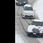 """Videó: Akaratán kívül """"alázta meg"""" a Toyota Yaris a Porsche 911-et"""