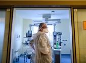 455 nuevas infecciones encontradas en casa, 17. Murieron