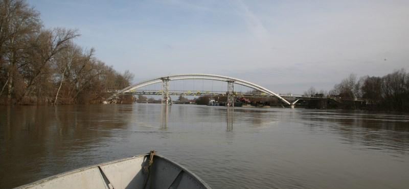 Átadták Közép-Európa leghosszabb gyalogos és kerékpáros hídját