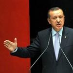 """Erdogan: Törökország fokozza harcát a támadó """"bérencek"""" ellen"""