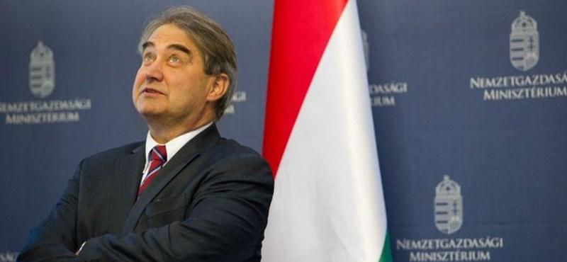 """Az egész NER-nek kínos a Széchenyi Bank-botrány, mert sok benne a """"mi-kutyánk-kölyke"""""""