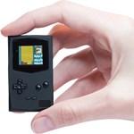 Ha meglátja a kulcstartóra akasztható mini Game Boy-t, valószínűleg ön is akar majd egyet