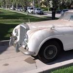 44 év után újra elővették James Bond eredeti autóját