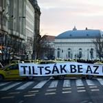 """Üzentek az EP-ből a magyar taxisoknak: """"ne csinálják"""""""
