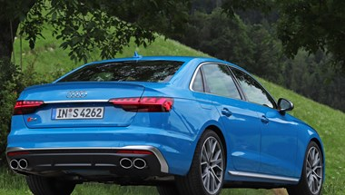 Spórolós családi sportautó: teszten a villanyturbós dízel Audi S4