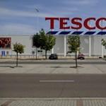 Otthagyja a Tesco Lengyelországot, több mint 300 üzletet értékesítenek