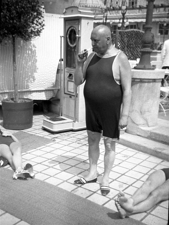Miniszterek gatyában - Nagyítás-fotógaléria - Heltai Jenő - író, költő, újságíró