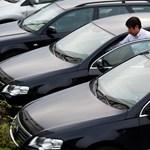 Még mindig a cégautók pörgetik a hazai autópiacot