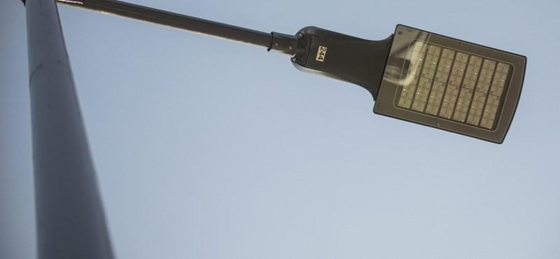Wifi jön egy budai lámpaoszlopból