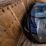 Egészen abszurd okból hívják vissza a legritkább Lamborghiniket