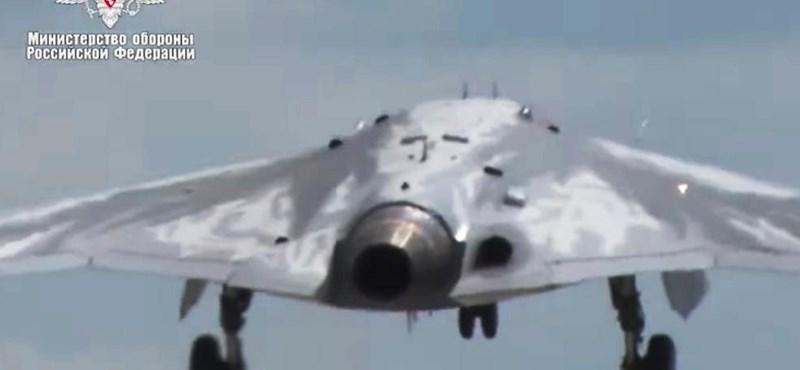 Ötezer kilométert repülni képes szuperdrónt fejlesztettek az oroszok