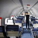 Kilenc órára zártak a fedélzetre 200 utast a Gatwicken