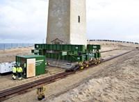Arrébb tesznek egy világítótornyot Dániában, mert félő, hogy összedől