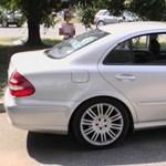Német Mercedest kapcsoltak le a határőrök Röszkénél
