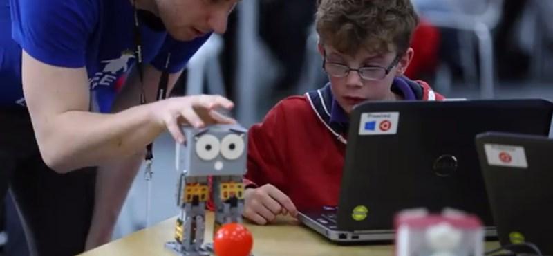 Az amerikai gyerekek is már cuki robotokon programoznak