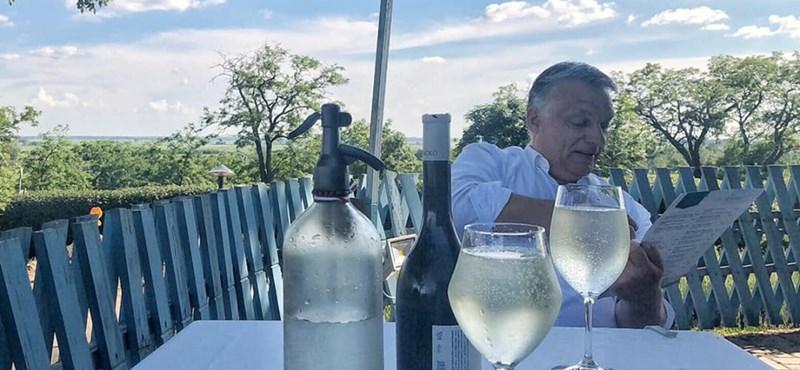 Fröccsözéssel zárta a keddet Orbán Viktor – fotó