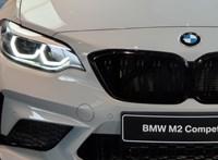 Vizsgázik a kis méregzsák: így gyorsul 0-ról 270-re a BMW M2 Competition - videó