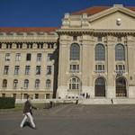 A Debreceni Egyetem vezetése nem akar kiállni a CEU mellett
