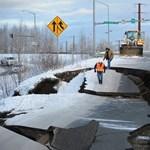 Pénteken Alaszkában földrengés volt, meg lehet nézni, milyenek az utak keddre