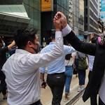 Megtiltották a hongkongi tüntetőknek, hogy maszkot viseljenek