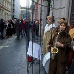 Megint tüntettek: nem csitul a Dörner elleni tiltakozási láz