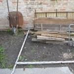 Udvaron ástak el egy holttestet Kiskőrösön, megvan a gyilkos – fotó, videó